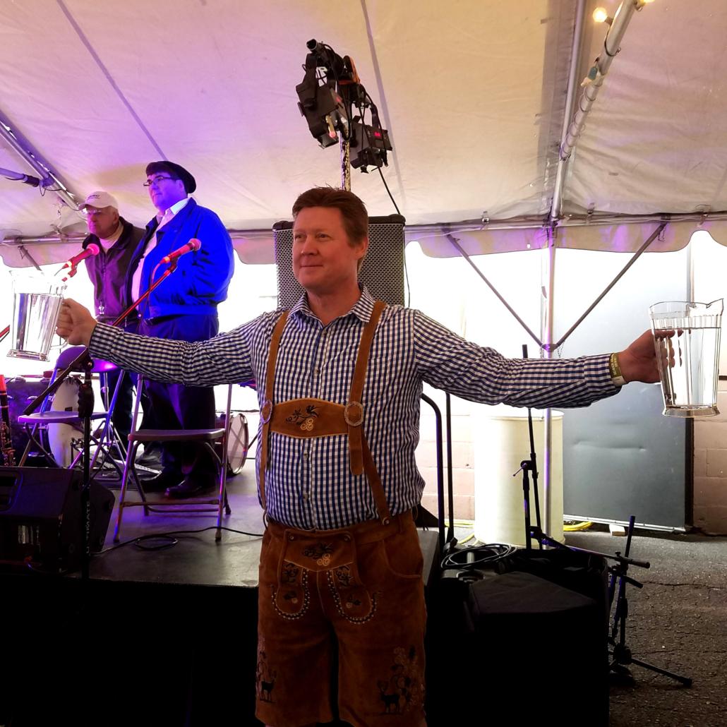 Beaver Island Oktoberfest steinhoist contest